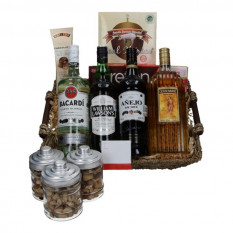 Cesta gourmet con ron, whisky, tequila