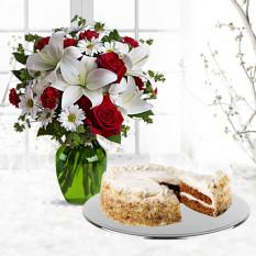Be My Love Bouquet con Rosas Rojas con Pastel de Zanahoria