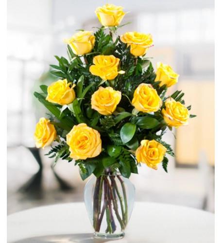 Una docena de rosas amarillas