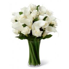 Armonía (12 Rosas + 3 Calla Liliesus)