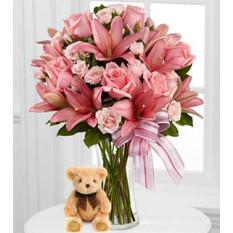 Pink Paradise (12 Rosas + 3 Lirios + Teddy Bearus)