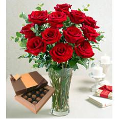 Enamórate (12 rosas en un jarrón)