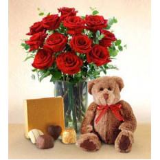 Pasión del amante (12 rosas + oso de peluche)