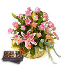 Love Basket (12 Roses + 3 Lilies)