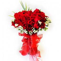 Vase Arrangment de rosas rojas con rellenos