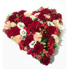 Arreglo del corazón-shepad de colores rojo, crema y blanco