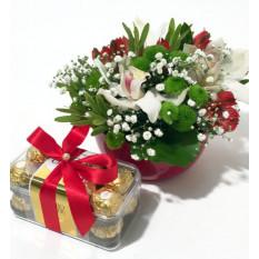 Arreglo de flores de orquídeas y Ferrero Rocher (Clásico)
