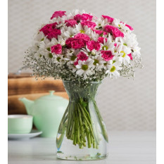 Pink Rambler Roses and Daisies (With Vase)