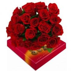 Ramo de 24 Rosas. Caja de Chocolates Incluida