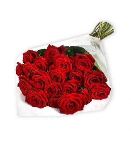 Ramo de dos docenas de rosas