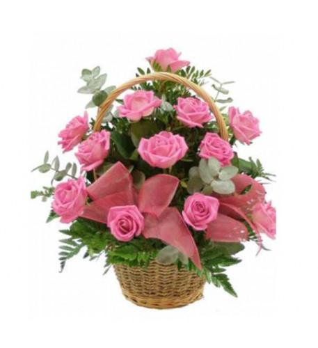 Cesta de 18 rosas rosadas