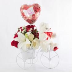 Arreglo floral con bicicleta