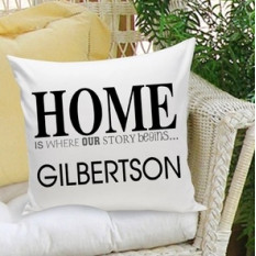 El hogar es donde comienza nuestra historia Throw Pillow